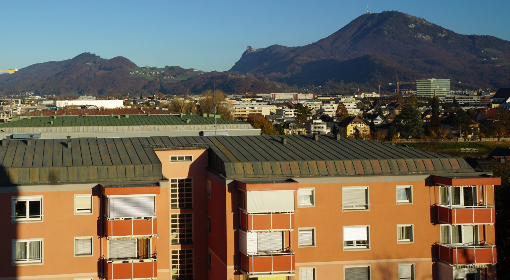 Property in 5020 Salzburg: LEHEN AT LOFTY HEIGHTS! Ideal 3-room apartment with view - picture 1