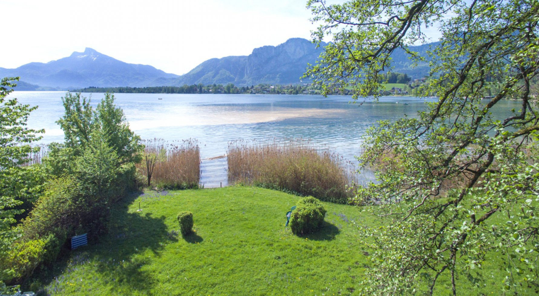 Property in 5310 Mondsee: Elegant living in a castle - with swimming area! Your second residence - picture 1