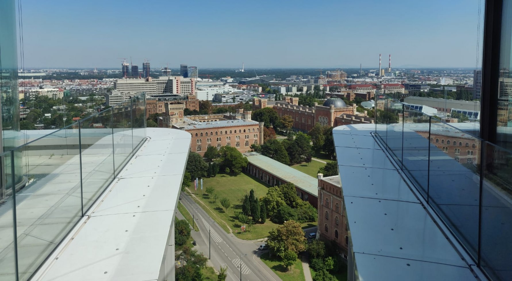Property in 1110 Wien, 10. Bezirk: An oasis with views over Vienna - picture 1
