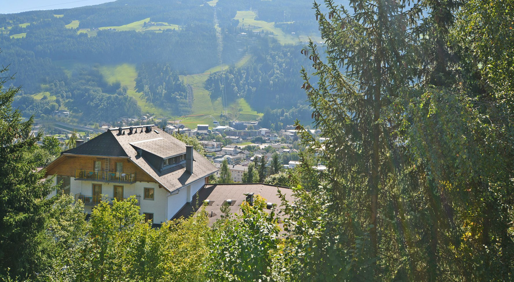 Property in 8970 Schladming: Magnificent ski slopes - Semi-detached house with second residency designation  - picture 1