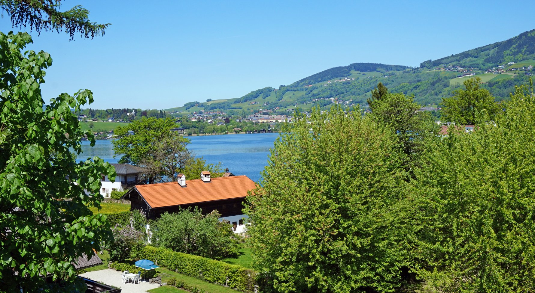 Property in 5310 Mondsee: Your lake retreat - Boathouse, annex and a perfect villa with lake view! - picture 1