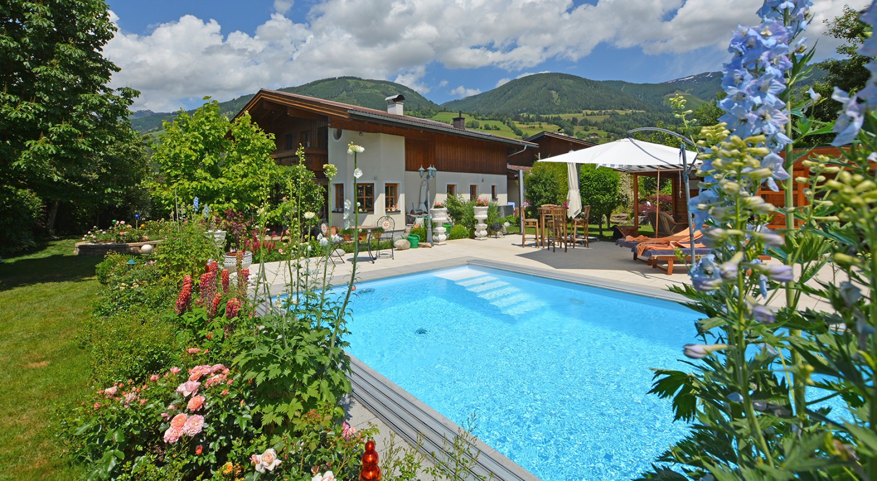 Property in 5722 Niedernsill: Great Cinema ... Near Zell am See! Country villa with pool on a great plot of land - picture 1