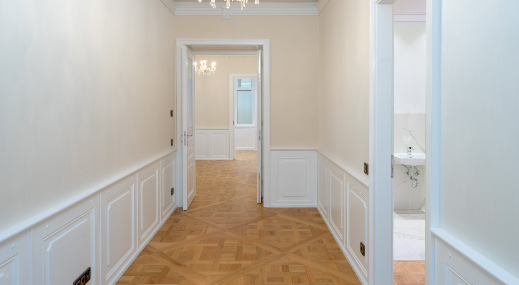 Property in 1010 Wien, 1. Bezirk: Imperial old apartment looks for long-term relationship! - picture 1
