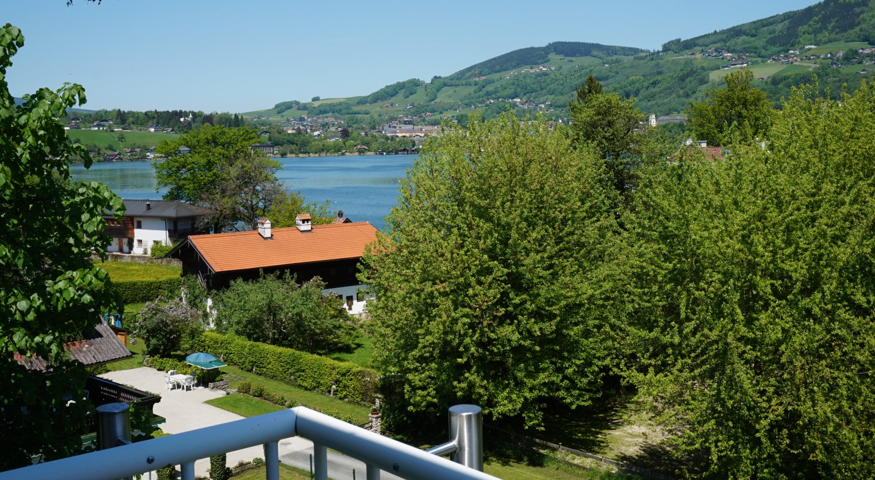 Property in 5310 Mondsee: Perfect villa with an unobstructed lake view! - picture 1