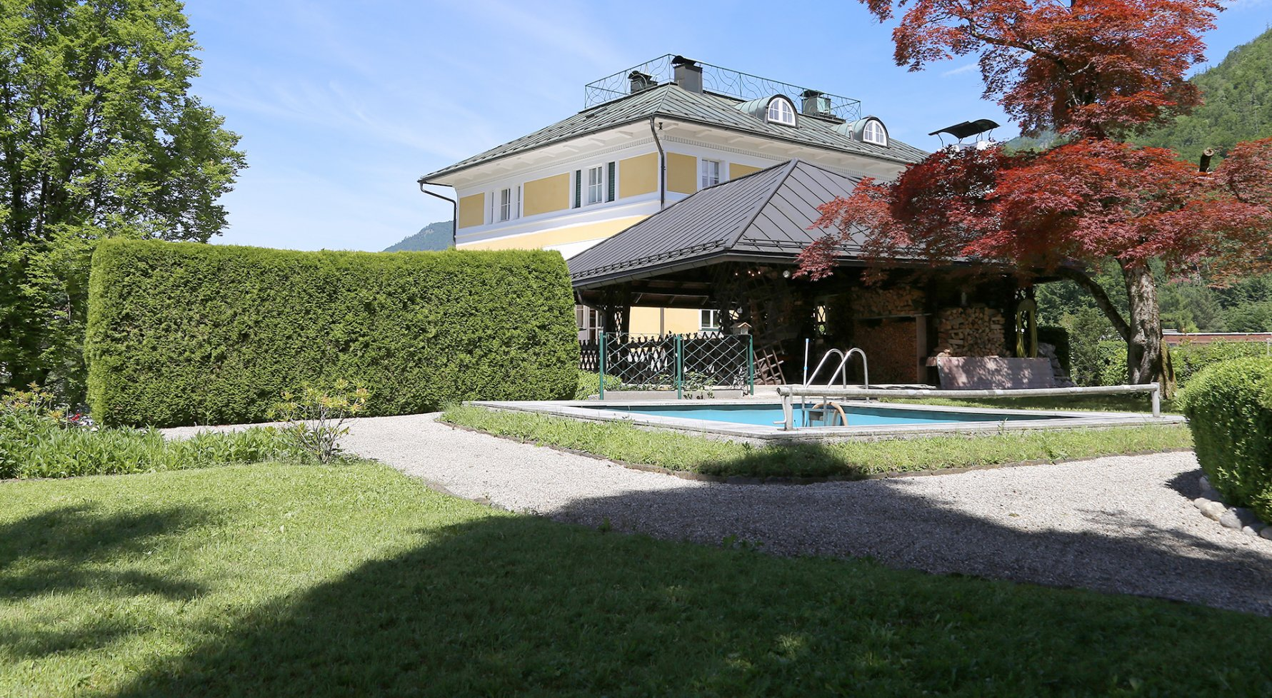 Property in 4820 Bad Ischl: Elegance of the highest class! Fairytale castle in the middle of the imperial city - picture 1