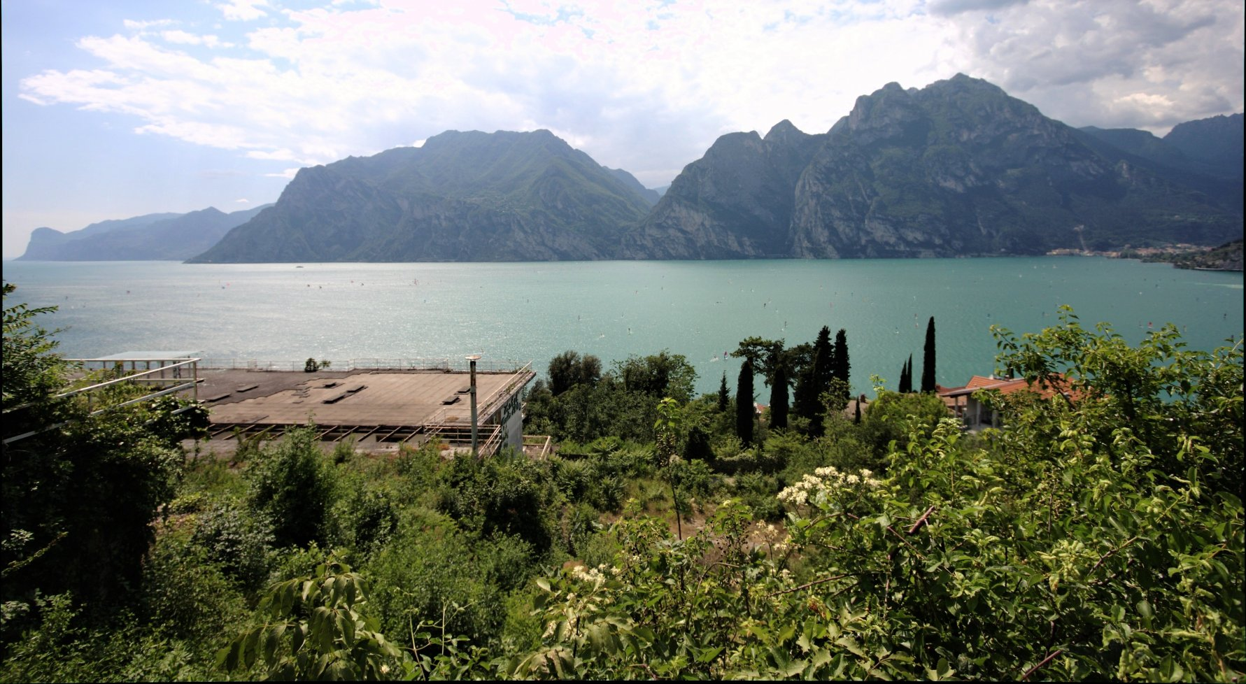 Property in 38069 Torbole sul Garda: Free view! Relaxing four walls in irretrievable new construction project - picture 1