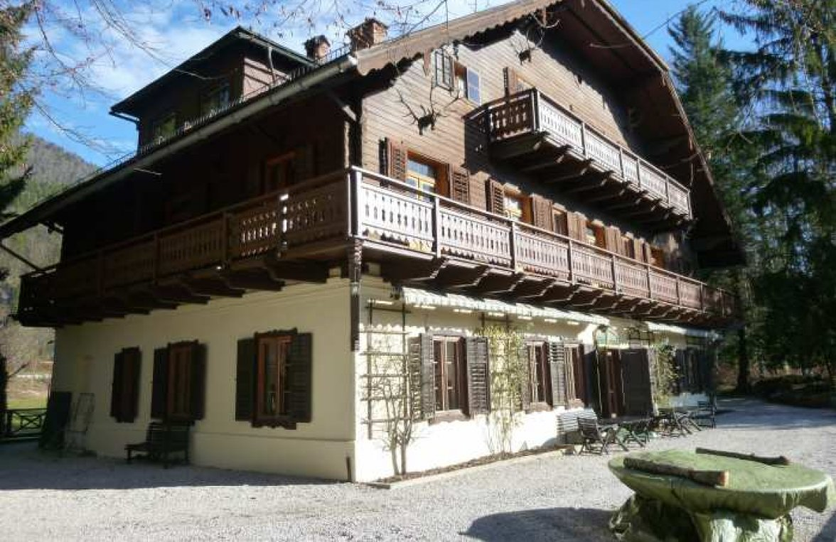 Property in 5360  St. Wolfgang: Majestic country estate above the Wolfgangsee! - picture 2