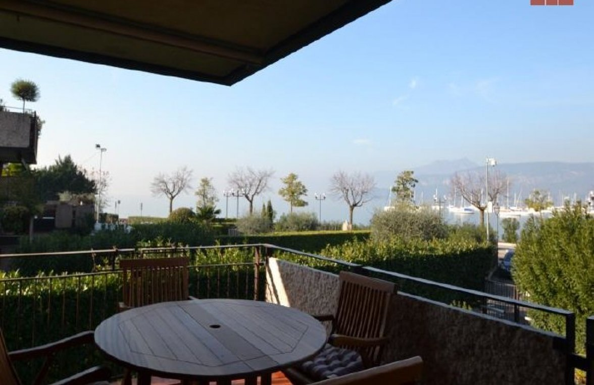 Property in 37011  Bardolino: BARDOLINO: Charming apartment with lake view - picture 2