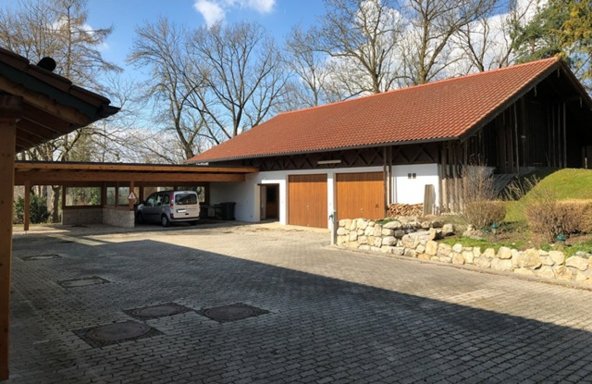 Property in 83043 Bad Aibling: Property with outbuildings and large park  - picture 6
