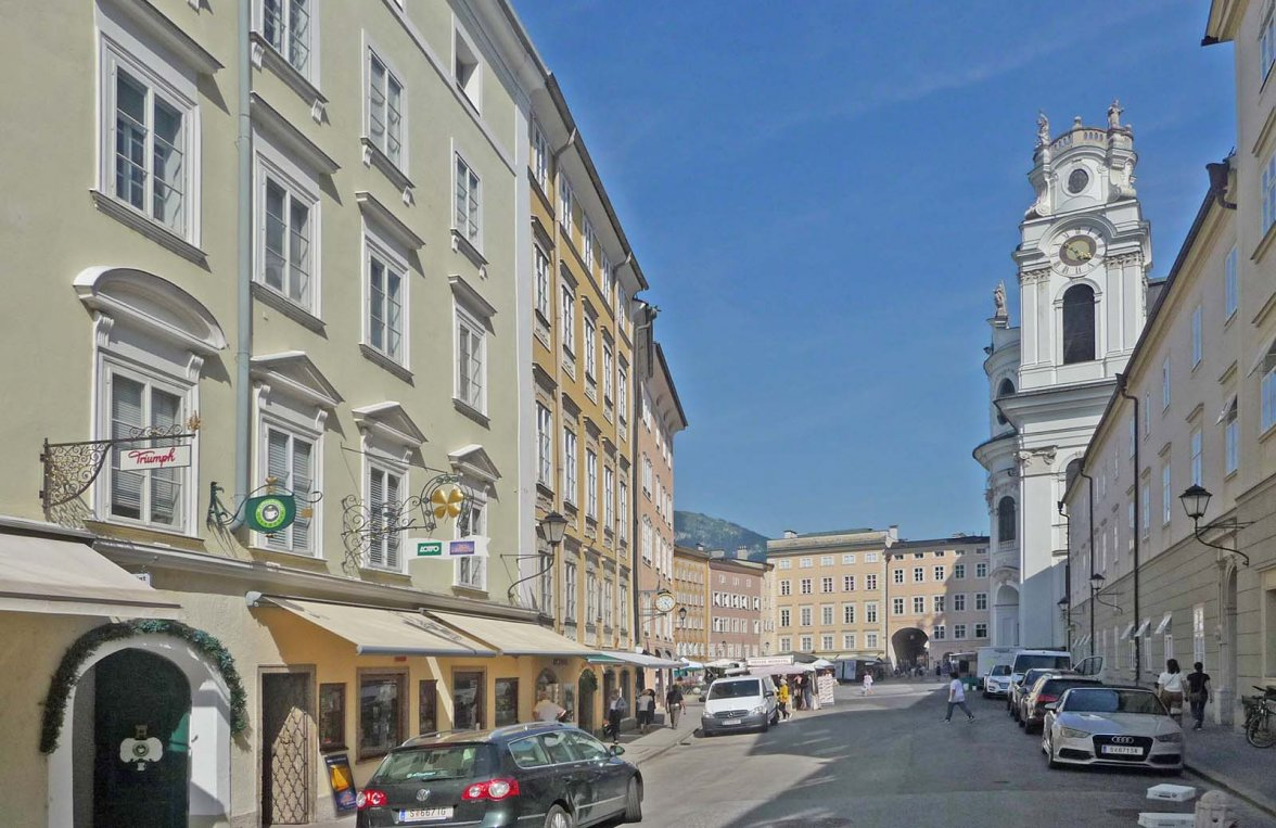 Property in 5020 Salzburg - Altstadt: 227 square metre floor in classic old building with lift - near to Festspielhaus! - picture 2