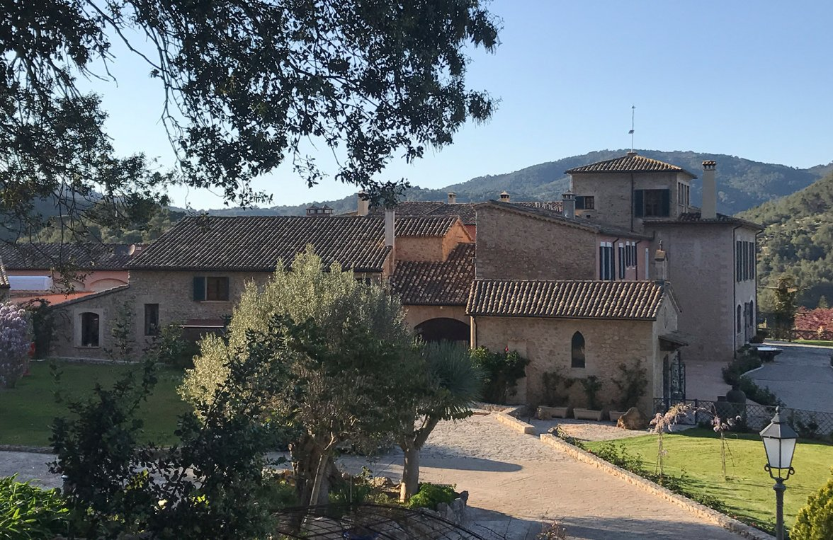 Property in 07190 Esporles - Palma de Mallorca: Historic finca. Secluded location at the foot of the Tramuntaner mountains - picture 1
