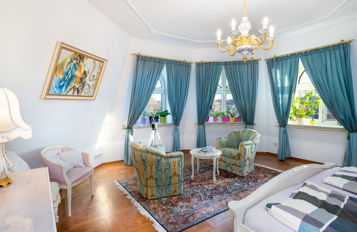 Property in 2460 Bruck an der Leitha: A special living experience offers this villa on the outskirts of Vienna - picture 4