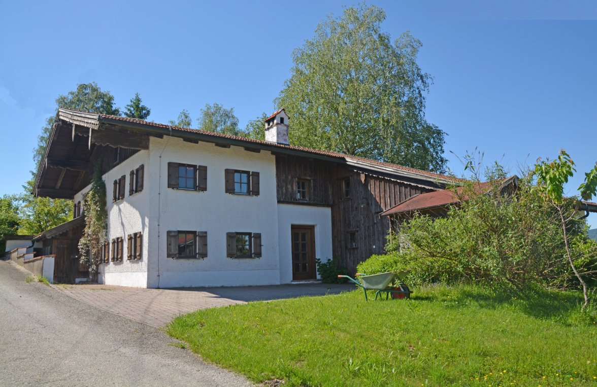 Property in 4894 Oberhofen am Irrsee: Romantic farmhouse in consummate beauty! - picture 2