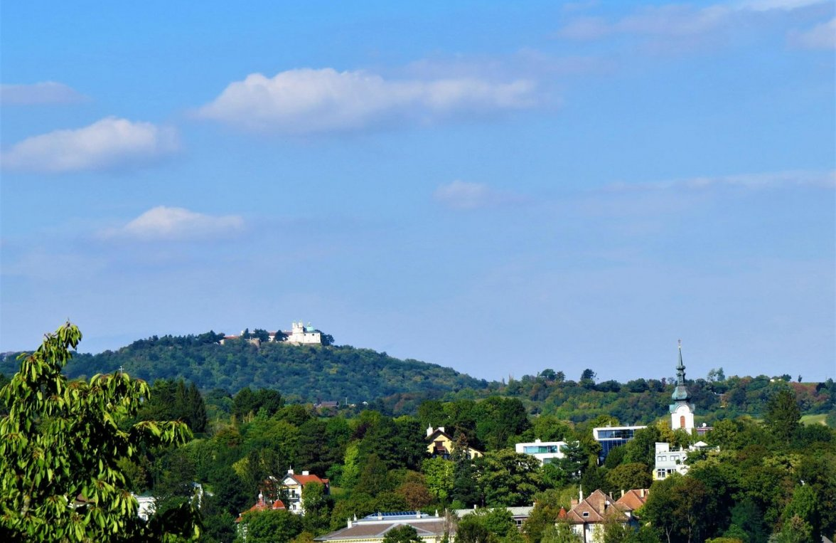 Property in 1190 Wien, 19. Bezirk: RELAXING WITH PANORAMIC VIEWS overlooking Kahlenberg - picture 1
