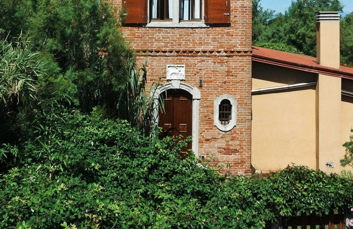 Property in 30126 Lido di Venezia: Feel it. Love it. The sky over the sea .... Historic property with panoramic views - picture 8