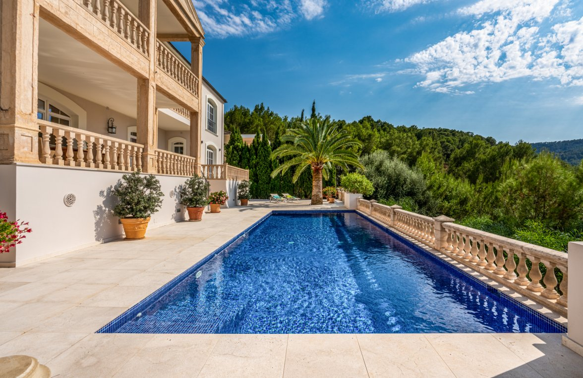 Property in 07013 Son Vida - nahe Palma de Mallorca: STAGE FREE! Impressing family residence right on the golf course in Son Vida! - picture 11