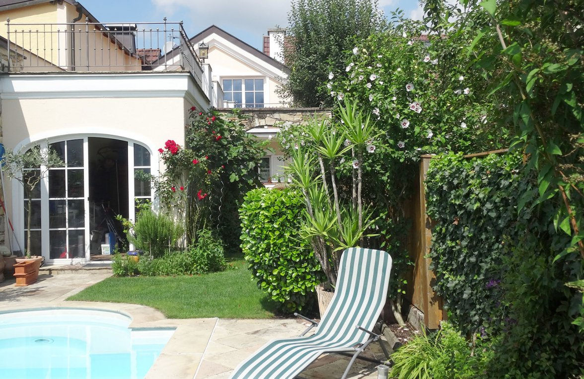 Property in 5020 Salzburg - Maxglan: Bring the sunny south home! Family house in Mediterranean style and pool - picture 1