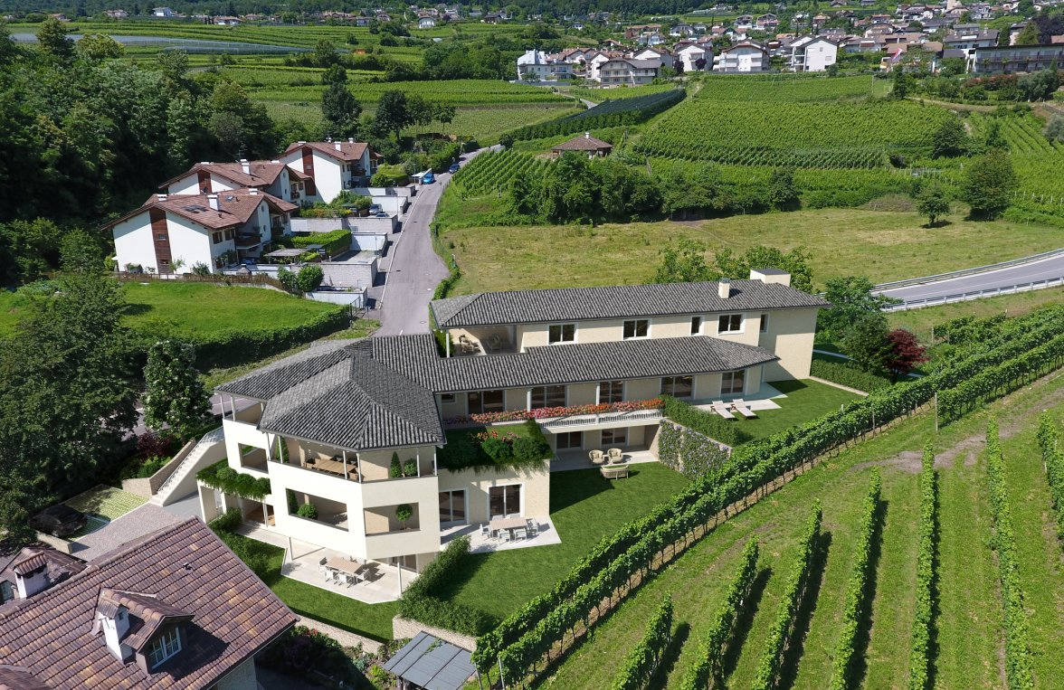Property in 39052 Kaltern - Trutsch: Kaltern on the lake: Modern apartment next to italian vineyards - picture 1