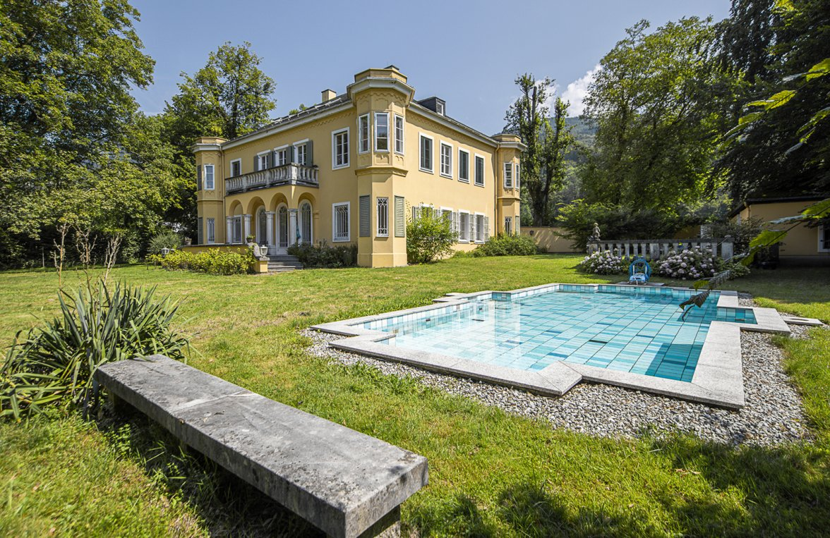 Property in 5020 Salzburg - Premium location Aigen: Villa with pool and history! Stately architecture in a noble location - picture 2