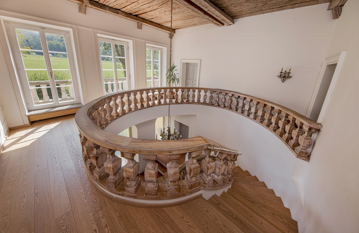 Property in 5020 Salzburg - Premium location Aigen: Villa with pool and history! Stately architecture in a noble location - picture 7