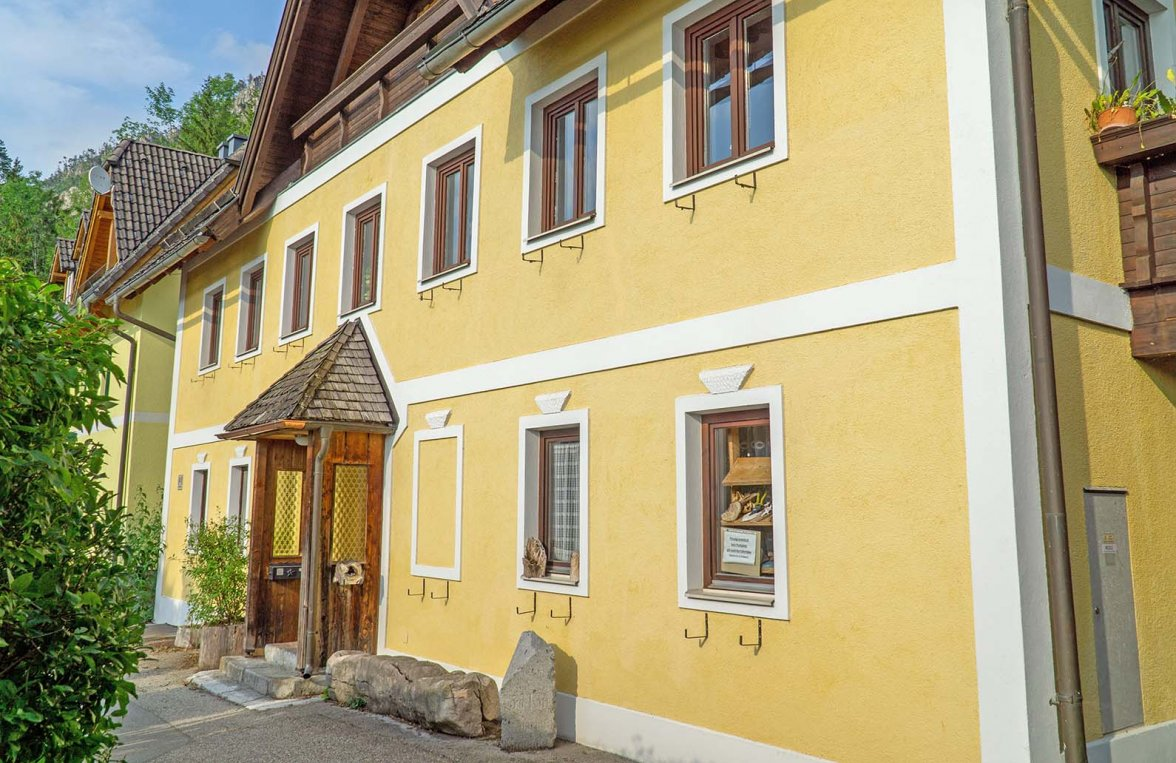 Property in 4810 Gmunden: A gem with lake access on Traunsee - picture 2