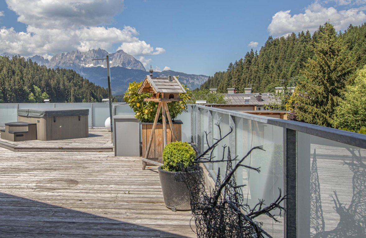 Property in 6370 Kitzbühel: Prime penthouse for those who love detail in a sunny panoramic position  - picture 6
