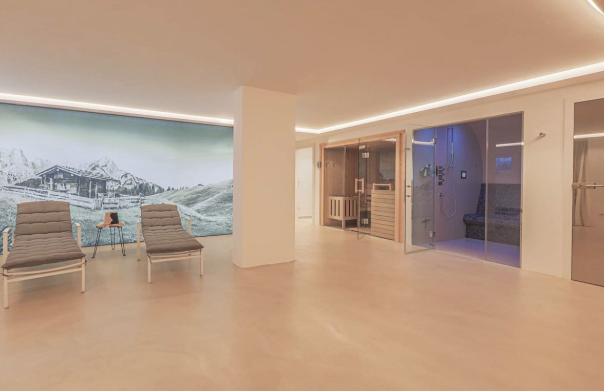 Property in 6370 Kitzbühel: Prime penthouse for those who love detail in a sunny panoramic position  - picture 9