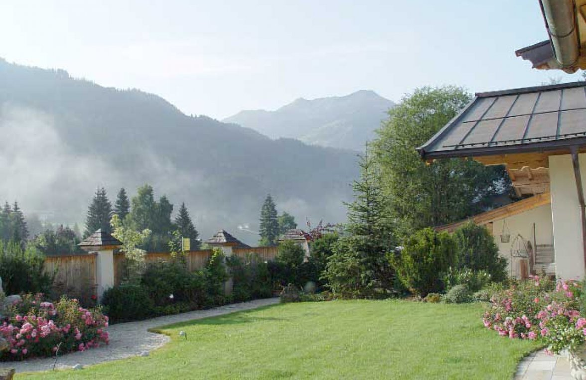 Property in 6373 Jochberg: SKI-IN/SKI- OUT country house with indoor pool and garden - picture 15