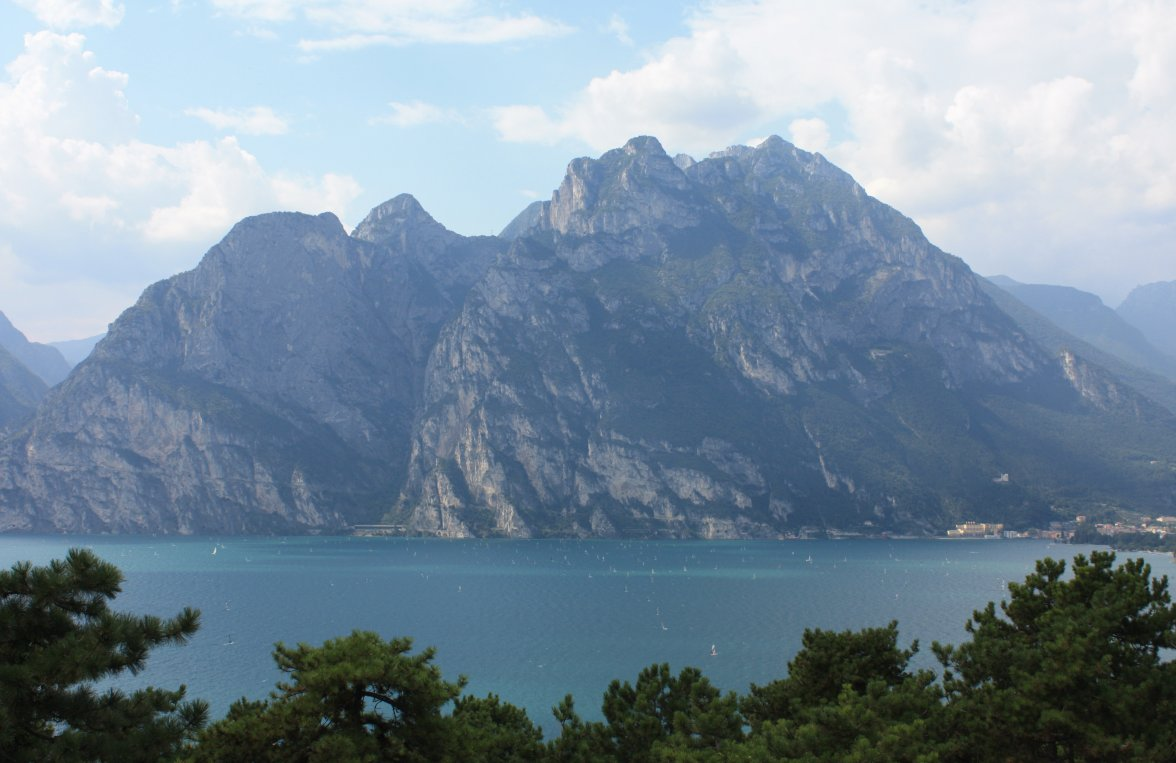 Property in 38069 Torbole sul Garda: Free view! Relaxing four walls in irretrievable new construction project - picture 3