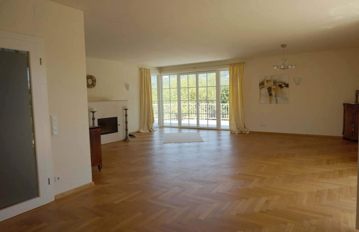 Property in 5310 Mondsee: Perfect villa with an unobstructed lake view! - picture 3