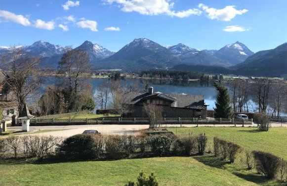 Property in 5360 Ried am Wolfgangsee: What a blessing with lake views! Residential home with swimming area and pool