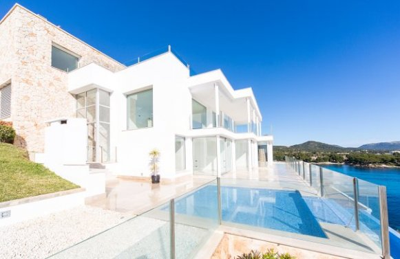 Property in 07589  Provensals: Mallorca: Stylish and meters away from the sea