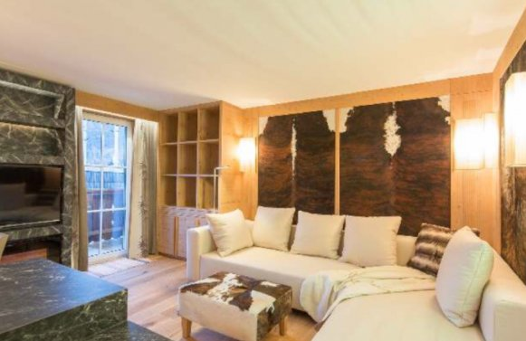 Property in 6370 Kitzbühel: Stylishly arranged, 3-room city apartment with lift and balcony