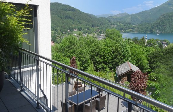 Property in 5340 St. Gilgen am Wolfgangsee: A feeling of freedom ... Stylish villa with unobstructed Lake Wolfgang views