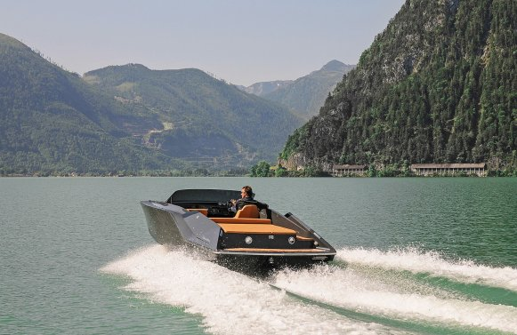 Property in 4810 Gmunden - am Traunsee: UNIQUE OPPORTUNITY! Your domicile right on the water - a Frauscher boat as a gift!