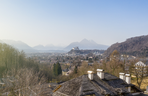 Property in 5020 Salzburg - Aussichtslage Parsch: Flying high! Promising property with old stock at the foot of the Gaisberg