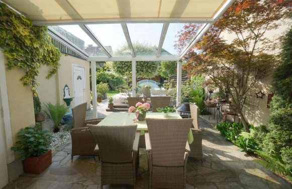 Property in 5020 Salzburg: Happy living with the whole family ... including pool, sauna house and garden!