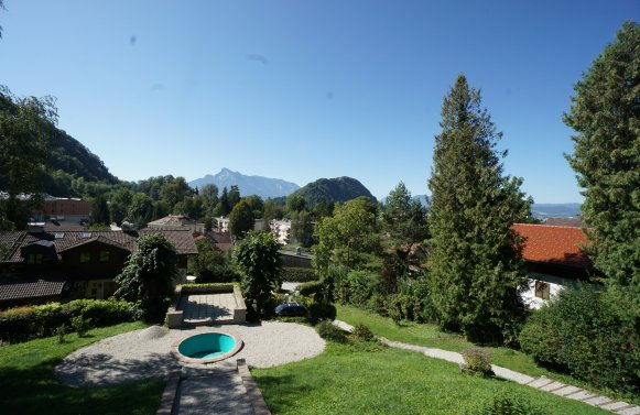 Property in 5020 Salzburg - Gnigl: Extremely spacious town house with a sought-after view of the city!