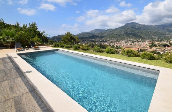 Property in 07100 Soller : MALLORCA: Stylish finca in divine location overlooking Sóller