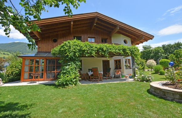 Property in 5722 Niedernsill: Great Cinema ... Near Zell am See! Country villa with pool on a great plot of land