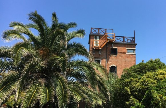 Property in 30126 Lido di Venezia: Feel it. Love it. The sky over the sea .... Historic property with panoramic views