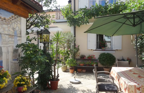 Property in 5020 Salzburg - Maxglan: Bring the sunny south home! Family house in Mediterranean style and pool