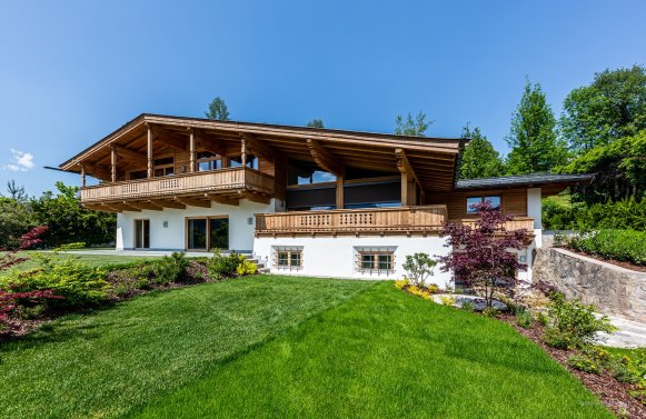 Property in 6370 Kitzbühel: Exclusive high-end villa for first-time occupancy