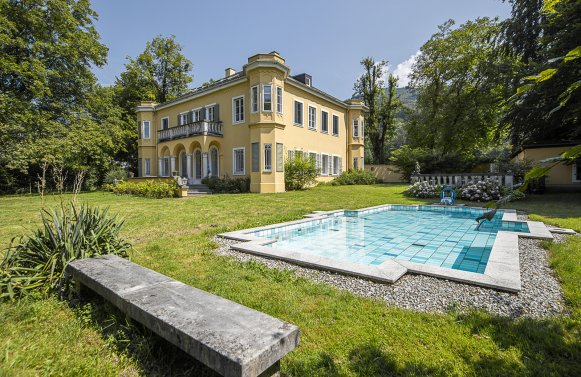 Property in 5020 Salzburg - Premium location Aigen: Villa with pool and history! Stately architecture in a noble location