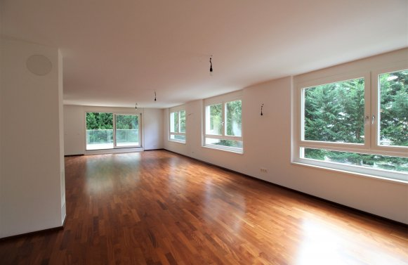 Property in 1180 Wien, 18. Bezirk: Nice cut! 210 m² living space on one level!