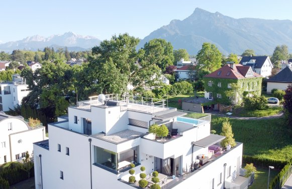 Property in 5020 Salzburg - Premiumlage Nonntal: All the way at the top! Luxury city hideaway with XL rooftop pool