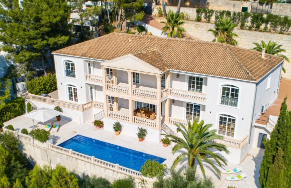 Property in 07013 Son Vida - nahe Palma de Mallorca: STAGE FREE! Impressing family residence right on the golf course in Son Vida!