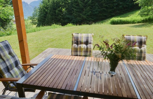 Property in 4866 Unterach am Attersee: A beautiful living experience! 4-room garden apartment near the lake