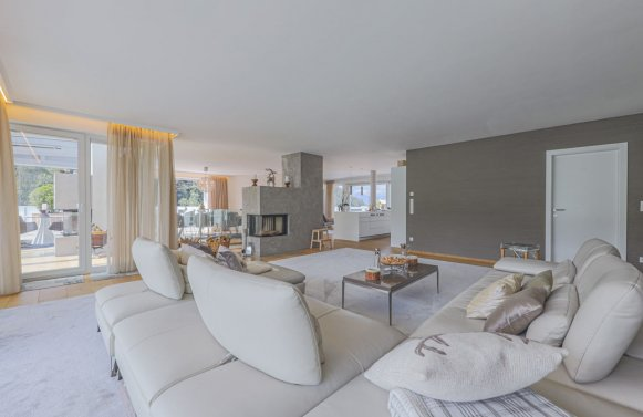 Property in 6370 Kitzbühel: Prime penthouse for those who love detail in a sunny panoramic position