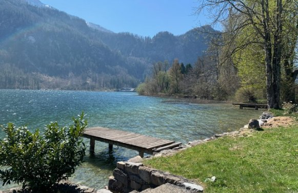 Property in 4866 Mondsee - Salzkammergut: Lake property with old stock, boathouse and bathing jetty directly at the Mondsee!